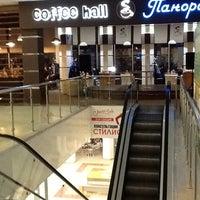 Photo taken at Coffee Hall Панорама by Артем В. on 3/30/2013