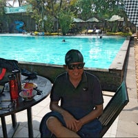 Photo taken at Swimming Pool Puri Bintaro Club House,Bintaro Jaya Sektor IX - Jakarta Selatan by Suryanto S. on 9/13/2014