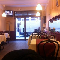 Photo taken at Maná Cafeteria Restaurante by Olga C. on 1/3/2014