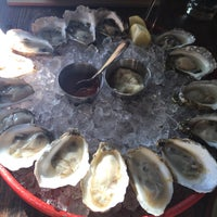 Foto tomada en Loco Taqueria & Oyster Bar por Masha I. el 7/3/2017