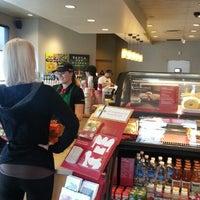 Снимок сделан в Starbucks пользователем Foody K. 11/23/2012