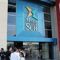 Foto tirada no(a) Mall del Sur por Bryan G. em 10/27/2012