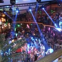 6/14/2013 tarihinde Şhşvövmxmsziyaretçi tarafından Havana Club'de çekilen fotoğraf