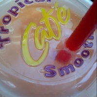 Photo taken at Tropical Smoothie Café by Lynn P. on 4/3/2013