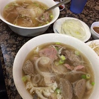 Photo taken at PHO 21 - Western by Marc A. on 11/22/2013