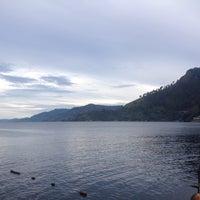 Photo taken at Pandu Hotel Lakeside Parapat by Steven G. on 9/15/2015