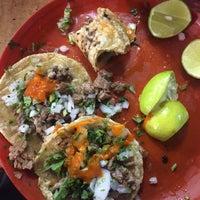 Photo prise au Tacos El tío par Dan P. le6/30/2016
