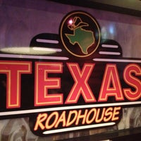 Photo taken at Texas Roadhouse by Nestor R. on 10/13/2012