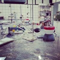 Photo taken at laboratório de química orgânica (Univale) by Thiago F. on 4/10/2013