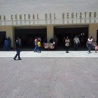 Foto tirada no(a) Registro Civil por Alonso R. em 7/2/2013