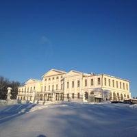 Снимок сделан в Усадьба князей Голицыных в Дубровицах пользователем Tatyana C. 1/26/2013
