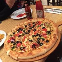 Photo taken at Pizza Hut by Khadija E. on 3/19/2017