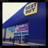 Photo taken at Best Buy by Claudio A. on 12/16/2012