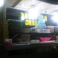 Photo taken at Martabak Kubang - Buah Batu by Bobby I. on 12/27/2012