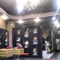 Photo taken at Zhujiang Dijing Barbershop by Nataly A. on 4/28/2013