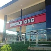 Photo taken at Burger King by Thiago V. on 2/12/2013