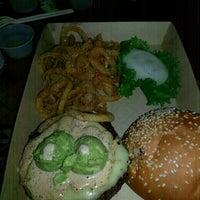 Das Foto wurde bei Twisted Root Burger Co. von Stan I. am 10/19/2013 aufgenommen