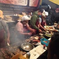 Foto tirada no(a) Tacuqui Tacos por Angel V. em 9/19/2013
