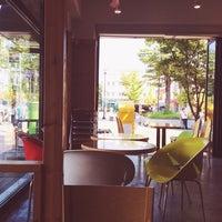Photo taken at 커피가있는다락방 by Hodeng on 9/10/2014
