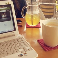 Photo taken at 커피가있는다락방 by Hodeng on 9/8/2013