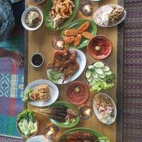 Photo taken at Restoran & Lesehan Alam Sari by Sahat H. on 7/4/2014