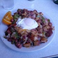 6/2/2013 tarihinde Brad K.ziyaretçi tarafından Byways Cafe'de çekilen fotoğraf