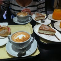 4/17/2013にOxana I.がVyTA Boulangerie Italianaで撮った写真