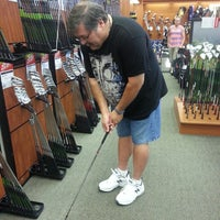 Photo taken at DICK'S Sporting Goods by Jaqutia S. on 6/14/2014