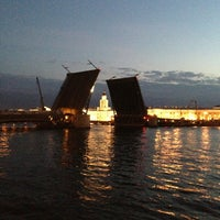 Photo taken at Palace Bridge by Grigory🇷🇺 on 6/22/2013