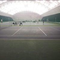 Das Foto wurde bei Теннисный корт Кадет von Mikhail N. am 12/27/2013 aufgenommen
