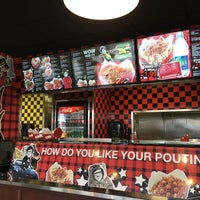 Photo taken at Smoke's Poutinerie by Abueng on 11/29/2017