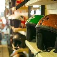 Das Foto wurde bei SIP Scootershop von SIP Scootershop am 8/9/2013 aufgenommen