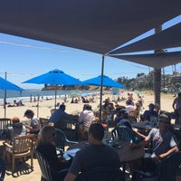Photo taken at Shoreline Beach Cafe by Anderson D. on 5/21/2017