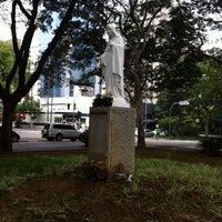Das Foto wurde bei Praça Coração de Maria von Vanessa A. am 9/20/2013 aufgenommen