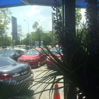 Photo taken at Proton Glenmarie Service Centre by Benzalie H. on 4/19/2017