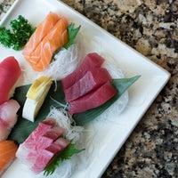Foto scattata a Fin's Sushi & Grill da Fin's Sushi & Grill il 2/3/2017