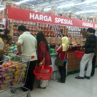 Photo taken at Transmart by Mar'atul A. on 6/28/2013