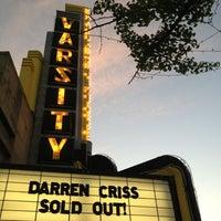 Foto scattata a Varsity Theater & Cafe des Artistes da Ben P. il 6/11/2013