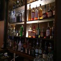 11/9/2013 tarihinde DeWitt K.ziyaretçi tarafından The Bureau Bar'de çekilen fotoğraf