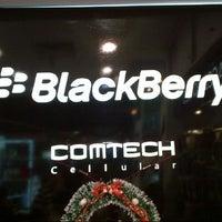 Photo taken at VICTORINDO cellular shop by Steven L. on 12/19/2012
