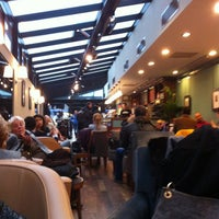 Photo taken at Caffè Nero by Erşan Ö. on 12/21/2012