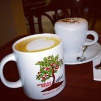 12/28/2013 tarihinde Louis H.ziyaretçi tarafından Cherrybean Coffees'de çekilen fotoğraf