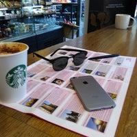 Photo taken at Starbucks by Viktor O. on 2/6/2017