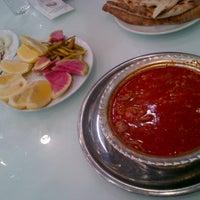 1/31/2013 tarihinde Fatih S.ziyaretçi tarafından Beyoğlu Paça Beyran ve Kebap'de çekilen fotoğraf