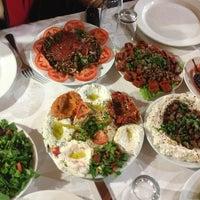 3/28/2013 tarihinde NeSiLcEziyaretçi tarafından Kuzeytepe Nuri Restaurant'de çekilen fotoğraf
