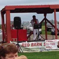 Photo taken at The Red Barn by Duane S. on 9/10/2015