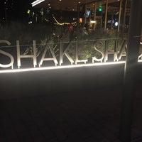 Das Foto wurde bei Shake Shack von Berny am 11/11/2017 aufgenommen