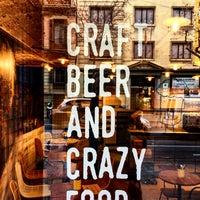 Foto tomada en La Menuda - Craft Beer & Crazy Food por Ismael Y. el 1/16/2017
