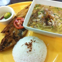 Photo taken at Ted's La Paz Batchoy by Ritch S. on 10/27/2012