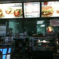 Снимок сделан в McDonald's пользователем Kristina 3/24/2013